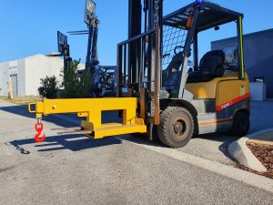 2500kg Extendable Jib Forklift Attachment on Forklift
